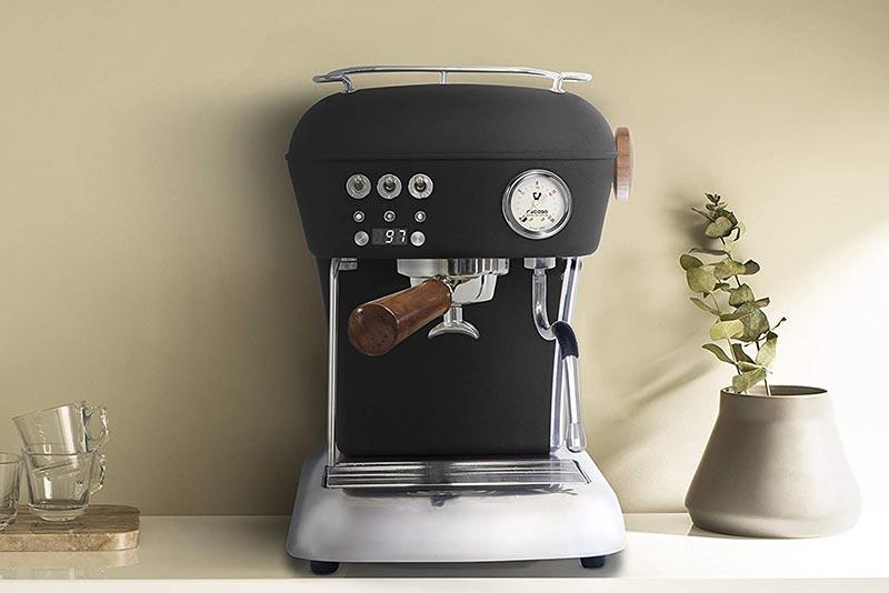آیا بعد از دم کردن قهوه، دانههای قهوه در فنجان وجود دارد؟ - عیب یابی دستگاه اسپرسوساز